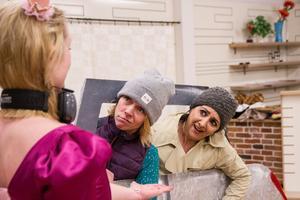 Vännerna Jessica Östberg, Therese Nordin och Alessandra Ingargiola har startat teaterföreningen 7486.