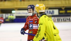 Lagkapten Jonas Edling satte en straff i vardera halvleken.