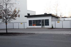 Den gamla bensinstationen på Kungsgatan kan, i en tänkbar framtid, ersättas med bebyggelse i tre våningar. Detta utan ny detaljplan.