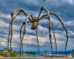 Louise Bourgeois jättelika spindelskulptur
