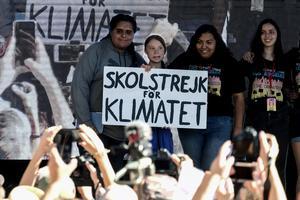 Förändringen kommer underifrån, med Greta Thunberg och de växande klimatdemonstrationerna världen över. Foto: TT