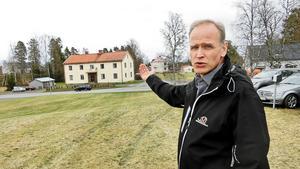 Strömsunds hyresbostäders vd Stefan Jönsson säger att politikerna måste komma fram till vad som ska gälla framöver.