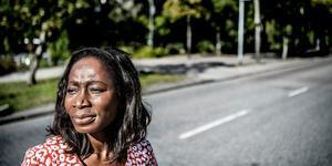 Motorvägarna nära större städer bör avgiftsbeläggas, enligt ett nytt förslag från L. På bilden partiledare Nyamko Sabuni.