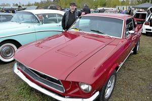 Hästägare. Tomas Westman från Nora visade upp sin Ford Mustang 1968 HT.