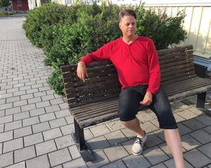 Nu engagerar sig  Robert Österlund för  Vänsterpartiet i Gagnef, en ort han kände sig hemma i direkt när han flyttade hit.