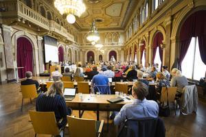 Det som hände i regionfullmäktige förra veckan, där debatten blev föremål för debatt, händer ofta i Gävles kf.