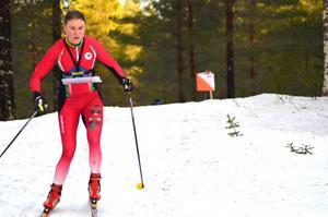 Frida Sandberg, Säterbygden, vann söndagens medeldistans på OBS-tävlingen i Grönklitt. Foto: Johan Trygg.