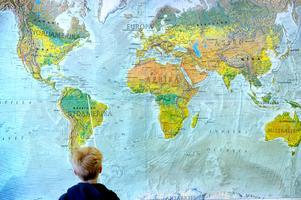 Språkundervisning ger barnen en större förståelse av världen. Bild: Janerik Hanriksson/TT