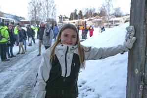 Vilma Lennholm, 14, är en av över 600 elever på Kyrkskolan som får närmare till idrottslektionerna i Stensvedenområdet. Klart att hon stöttat tunnelprojektet.