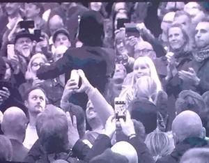 Nick Cave ute i publiken. Foto: Göran Greider.