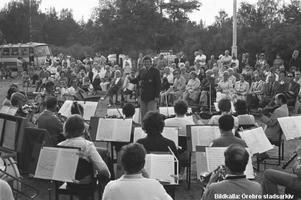 13 juli 1973. På Vinön kunde Örebro underhållningsorkester konsertera. Bildkälla: Örebro stadsarkiv/okänd fotograf