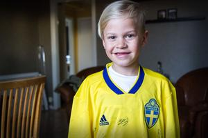 Ludvig Dahlberg berättar att familjen fick bo på samma hotell som landslaget – och även träffa alla spelarna innan matchen.