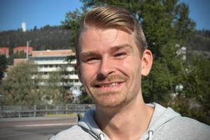 Lucas Nilsson, 26, butiksbiträde, Sallyhill