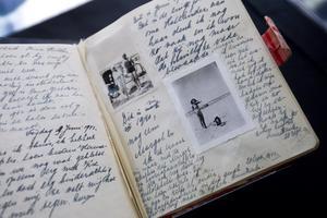 Anne Franks dagbok. Nu ges en dagbok ut från flickan vissa kallar