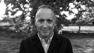 David Sedaris är nu aktuell på svenska med samlingen