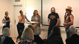 I panelen som diskuterade Jante, och att sticka ut, fanns Barbro Holmberg, Emma Janke, Britt-Marie Stegs, Peter Stormare och Peter Siepen,