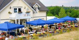 Mohammed Raouf äger bland annat Zorbas och Zaatar Cafe och Restaurang  i Älmsta. Foto: Arkiv