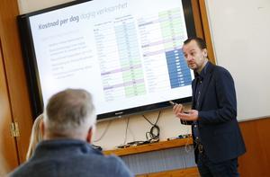 Andreas Johansson från företaget Ensolution har analyserat verksamheter som ligger under socialtjänsten i Östersund, Härjedalen, Åre och Krokoms kommuner.