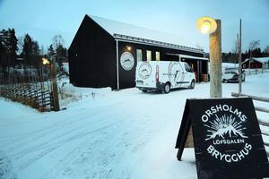Det nybyggda brygghuset mitt i Lofsdalen.