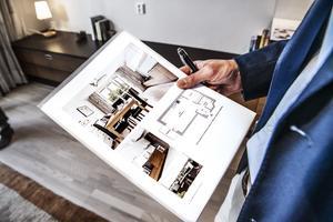 Intresset för att skaffa en bostad är stort, men bostadsmarknaden behöver reformeras, menar debattörerna. Foto: Tomas Oneborg/TT