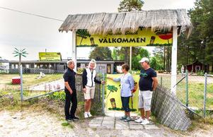 De boende i Tranviken är bekymrade över att grindarna till området är låsta. På bilden Lars Öhman, Christina Breddal, Ann-Kristin Tjernström och Trond Dyrstad.
