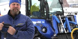Crister Lindhs företag Skogspraktikern har hand om kommunens snöröjning vid fastigheter i Svegsområdet.