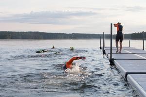 Skribenten vill inte att Hökmossbadet i sjön Yngern ska byggas ut.
