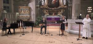 Nyårskvartetten med Marie Hörnell vid flygeln, Daniel Söderberg gitarr, Anna-Karin Adolphsson tvärflöjt och solisten Zandra Zinner.