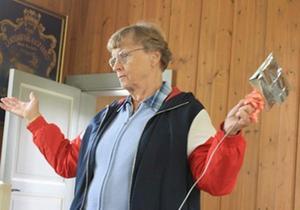 Gunnel Fredriksson guidade på ett underhållande sätt. Foto: Sigbritt Herbert