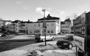 Landstingets politiker måste utveckla, inte avveckla, mer verksamhet på sjukhuset i Härnösand tycker Ingegerd Widén.