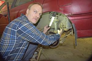 Göran Wåhlstedt blev mycket överraskad när han hittade det trasiga bromsröret och all rost.