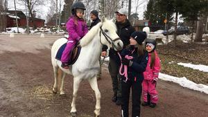Ponnyridning erbjöds i lördags.