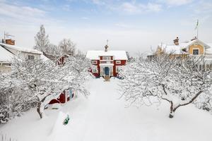 Denna villa på Parkvägen i Smedjebackens kommun var solklar etta på Klicktoppen vecka 4, sett till hus på Hemnet som ligger i Dalarna. Foto: Lasse Bergman