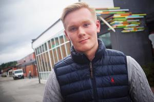Emil Wellander, 18 år, är åttonde namnet på Moderaternas lista till kommunfullmäktige i Lindesberg.