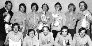 Början på Ope IF:s storhetstid på herrsidan inom fotbollen. Det är före jul 1971 och klubben har tillsammans med fritidsnämnden i Östersund precis invigt det beryktade träningstältet vid Torvallen. I samband med det spelades en grusturnering i tältet som Ope vann efter att ha besegra IFK Östersund på straffar. Turneringen kom sedan att arrangeras under flera år och gick då under namnet