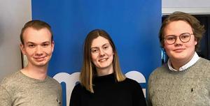 MUF:s nya ordförande i Dalarna - Sofia Axelsson, flankerad av vice ordförande Filip Jonsson och Hugo Abrahamsson. Foto: MUF Dalarna