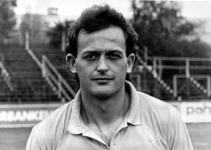 Paul McKinnon spelade två säsonger i ÖSK och var med och spela upp laget i allsvenskan 1988.