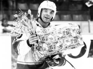 Mats Lööv, här prisad som matchens lirare under en elitseriefajt säsongen 1984/85,  tillbringade fyra år i Leksands IF under 80-talets mitt. Foto: Rune Österlund/DD