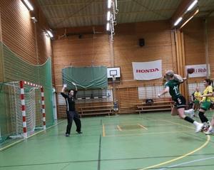 Maja Axell gör ett av sina 9 mål. Bild: Ella Henrysson