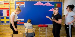 Vid projektstarten på Hedda Wisingskolan arbetade eleverna bland annat med en anslagstavla om hållbarhet.