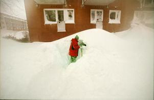 Det var inte helt lätt att hitta sin bil under snötäcket.