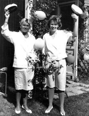 1988 kunde ÖP berätta om det ovanliga att mor och dotter tog studenten samtidigt. Ethel Graff började plugga sent i livet och gick ut den treåriga ekonomiska linjen på Wargentinsskolan samtidigt som dottern Angelica gick ut den två-åriga sociala linjen på samma skola.