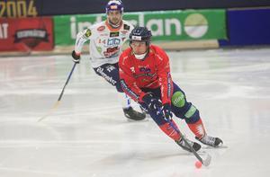 Mattias Larsson – pålitlig och skridskostark högerback i Edsbyn.