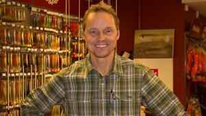 Projektledaren för Alla kan fiska, Henric Lindh på Studiefrämjandet.