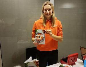 Ida Norman sålde kokboken idrottsmat. En kokbok innehållande kända idrottsprofilers favorit recept.