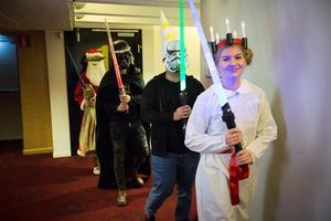 Biopalatsets personal passade på att lussa för besökarna – delvis klädda som både Star Wars-karaktärer.