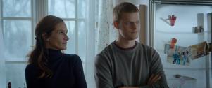 Ben (Lucas Hedges) kommer oväntat hem från sitt behandlingshem för att fira jul med sin mamma (Julia Roberts) och resten av familjen i
