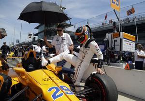 Fernando Alonso hoppade in och körde Indy 500 2017 efter några få testdagar. Nu letar den spanske formel 1-världsmästaren efter en heltidsstyrning i Indycar 2019. Arkivfoto: Michael Conroy/TT