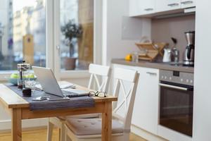 Med en hem- och bilförsäkring kan man undvika dyra kostnader om något skulle hända.