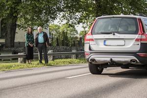 Sofia Händel och Bengt Ericsson säger att dödsolyckan på länsväg 283 vid Söderby-karls kyrka var en tragedi.